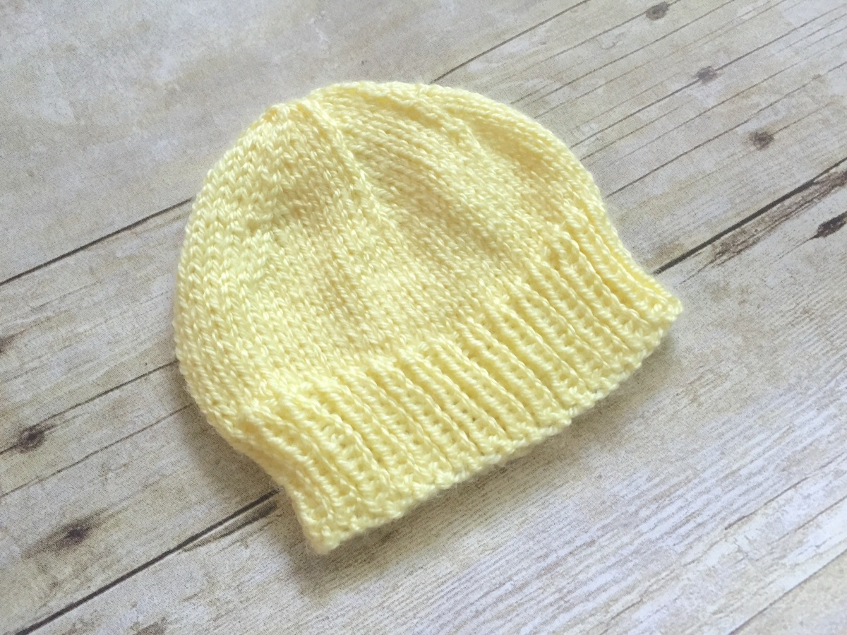 Newborn Knitting Patterns : Newborn Baby Hat to Knit   Free Knitting Pattern   SwanJay
